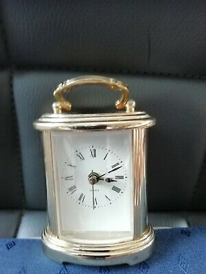 (872) Minature Gold Colour Alarm Carriage Clock With Quartz Movement