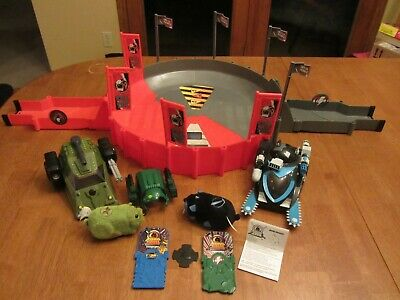 EUC-Kung Zhu Lot -Giant Battle Arena- Two Hamsters,Two Tanks & Two Battle Armor