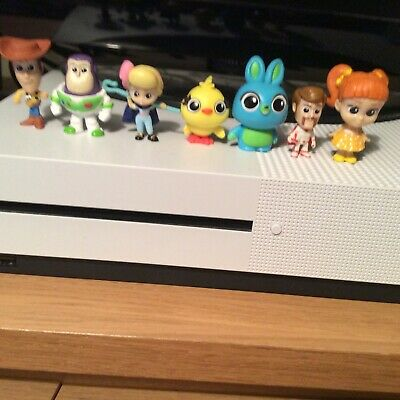Disney Pixar Toy Story 4 Mystery Minis Bundle Of 7 Figures Woody Buzz Bo Peep