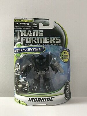Hasbro 28769 Transformers 3 Dark of the Moon Commander Class Ironhide Cyberverse
