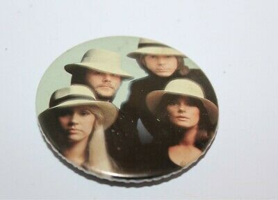 Abba Group Photo Badge Music Collectable (Lot 25)