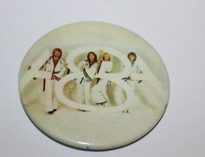 Abba Group Photo Badge Music Collectable (Lot 20)