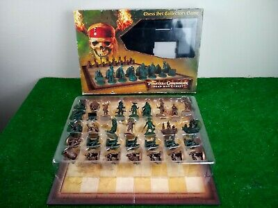 PIRATES OF THE CARRIBEAN Movie Chess Set Game, detailed figures