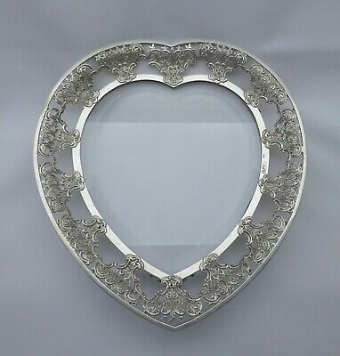 Victorian Sterling silver stand William Comyns & Sons, London 1895 heart shaped