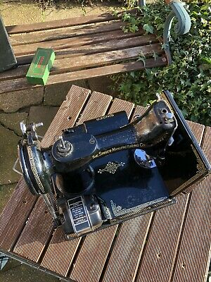 singer featherweight 221k Sewing Machine. See Pictures For Condition.