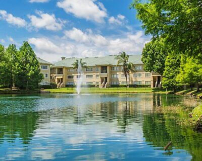 SILVERLAKE RESORT, KISSIMMEE, FL - ANNUAL FLOATING WEEK 17 - 64,500 RCI Points