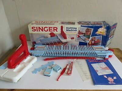 Vintage Singer Girls Toy Hobby Knitting Machine W/ Project Book