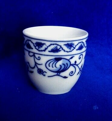 Egg cup Small II, Blue Onion, Bone China Porcelain, Leander