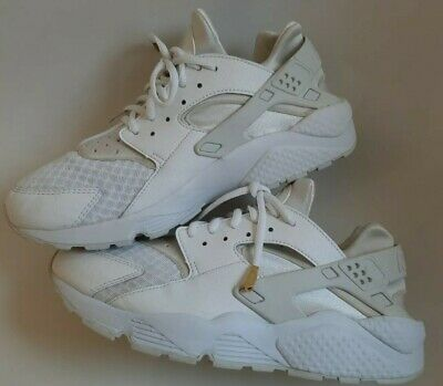Nike Air Huarache Triple White Size 8.5