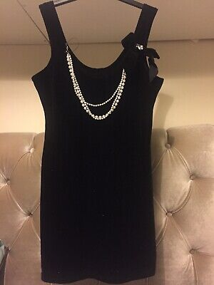 Black Velvet Top With Pearls And Bow Size 16