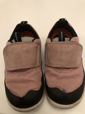 Pink Clarks Toddler shoes 5.5G