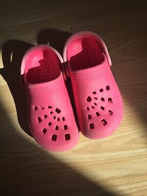 ~Girls Summer/beach/swimming Slip On Croc Style Shoes Pink Size 10-11 28-29~