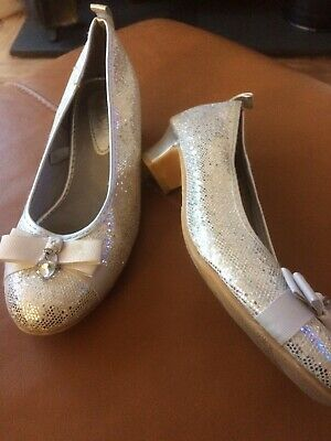 girls silver shoes size 2