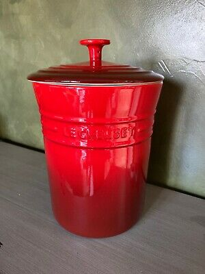 Le Creuset Red Cerise 4 QT Canister With Lid- Unused W/Tag