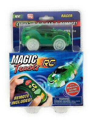 NEW Magic Tracks Light-Up R//C Fire Truck /& Remote w// Realistic Sound Effects