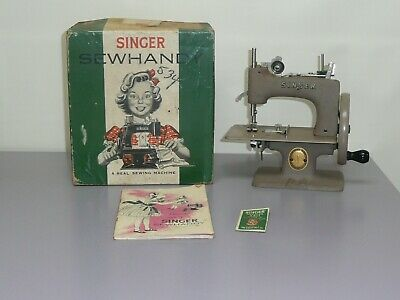 Vintage Child Size Singer Sewing Machine in Box w/Booklet & Key