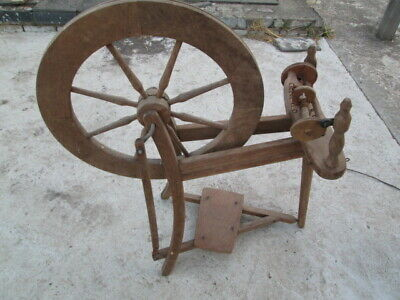 Traditional Ashford style Wooden Spinning wheel Pre-Owned