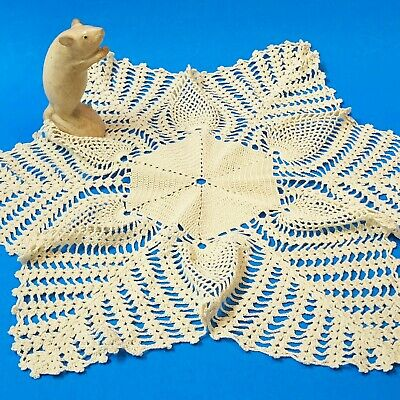 Large Ecru Crocheted Centre Piece Doily, Pineapple Pattern 48cm Diameter