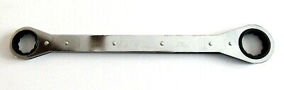 "Gray Tools 1-1/8"" x 1-1/4"" Flat Ratcheting Box Wrench 12 Point 5009"