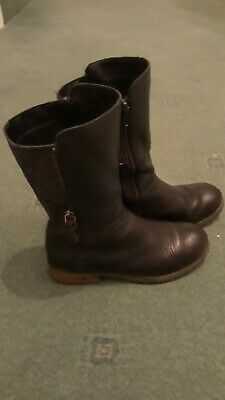 Excellent condition Clarks girls winter boots size 13.5