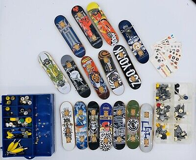 Tech Deck Finger Board Skateboards NICE MIXED Lot  Cases and Extra Parts
