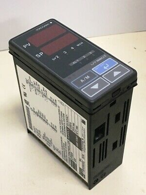 **NEW** Yokogawa	 UT320-00 , Digital Temperature Controller