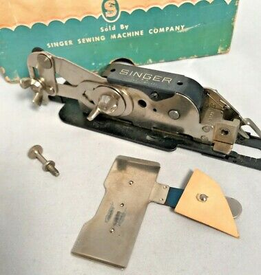 1941 Singer Sewing Machine Buttonhole Attachment 121795 Lock Stitch w/Box/Manual