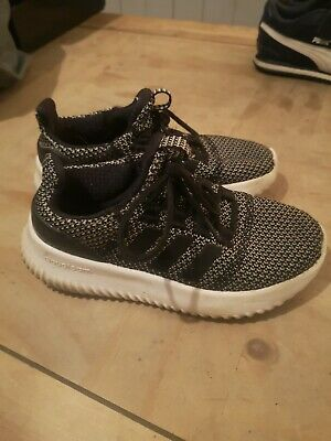 Kids adidas trainers size 1