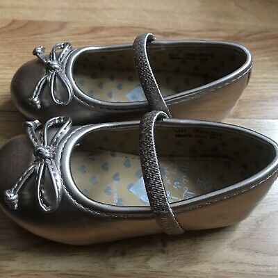 debenhams Girls Gold Shoes Infant Size 5 Immaculate