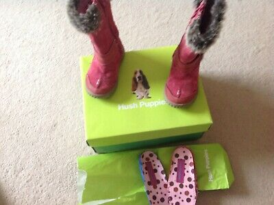 Girls winter pink boots size 5 in suede (hush puppies)