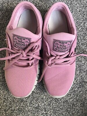 Girls Pink Nike Trainers Size 3 Hardly Worn