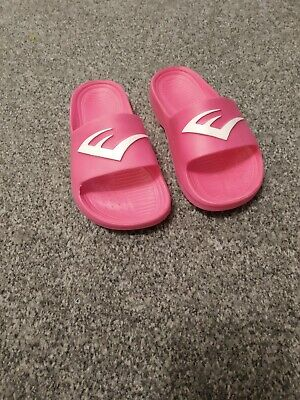 BNWOT Everlast girls cerise pink pool beach shoes sandals. Infant 10