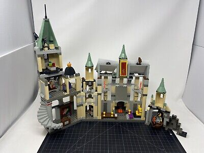 LEGO Harry Potter: Hogwarts Castle 4709 Nearly Complete w/ Instructions & Box