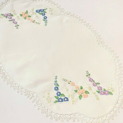 Very Vintage White Linen 46cm Doily, Fine Tatting Edging, Embroidered Hollyhocks