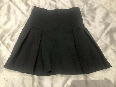 Debenhams Girls Grey School Skirt. Age 10 Yrs