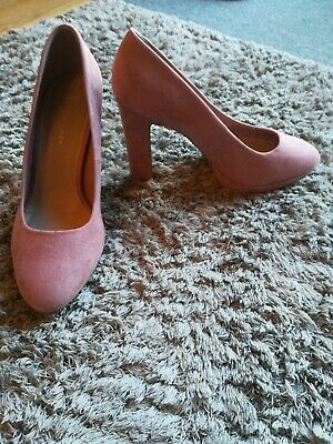 Wide Fit size 7 New Look Pink Block heel Suede look shoes