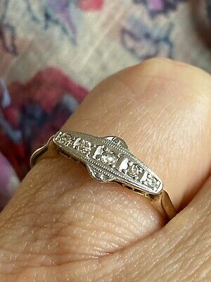 Dainty ,ANTIQUE EDWARDIAN / ART DECO 18CT GOLD, PLATINUM & DIAMOND RING Ex Cond