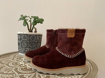Infant Girls Fab Clarks Suede Plum Sparkle Zip Up Boots Size 7.5f