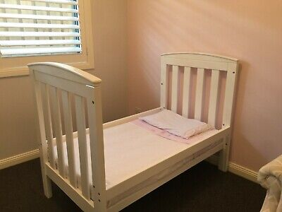 White 3 in 1 baby cot toddler bed inc mattress