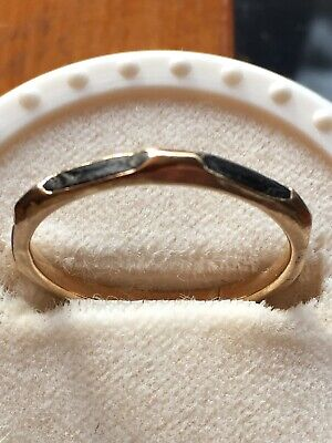 ANTIQUE GOLD MOURNING RING INSET WITH LOCK OF HAIR . Free delivery anywhere.