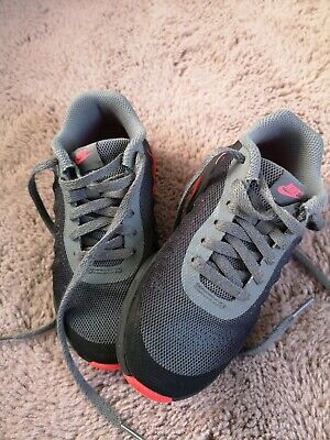 Girls Grey/pink Nike Trainers - Size 11 (infant)