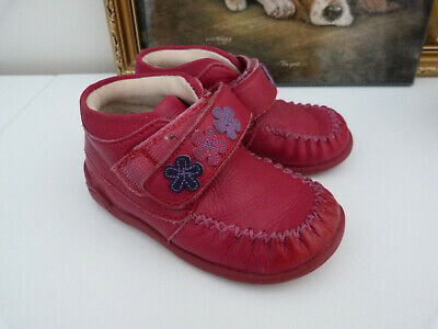 Clarks girl`s pinkish red boots sz 4.5 F, hardly worn, vgc
