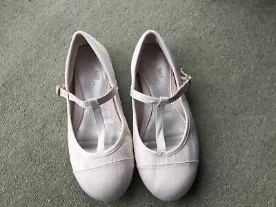 Marks and Spencer Girls Occasion White Shoes Size 1 EUR 33