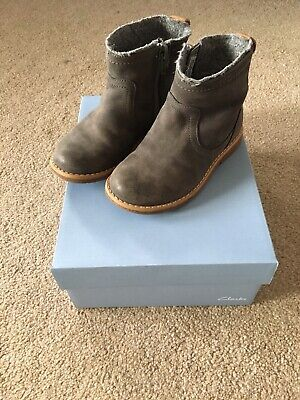 Clarks Girls Comet Frost Boots Grey Infant Size 7.5g