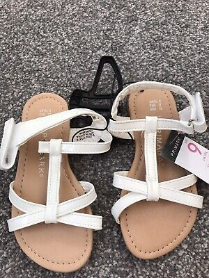 New With Tags White Girls Sandles  Size 9 Child