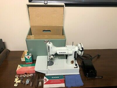 1964 Singer 221K Featherweight Pale Turquoise/Green/(white) Sewing Machine RARE