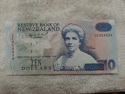 Reserve bank of Newzealand ,$10 dollar note vintage and rare.