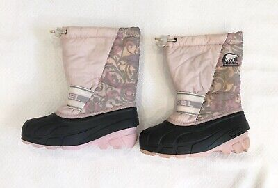Girls Light Pink And Floral Snow Boots With Grey Base Sz 13 EEUC
