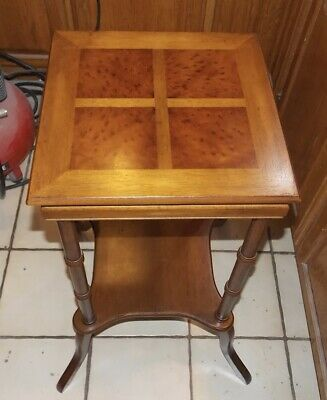Mahogany Inlaid Lamp Table / End Table  (T915)