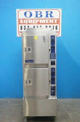 Cleveland 10 Pan Gas Convection Steamer With Cabinet Base Model 24Cga10